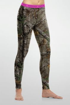Female hunters and fishers, take note: the Ika Leggings are the premium baselayer pant you need, to keep the cold out for your long day hunting excursions. Made from our 200gm midweight merino, this pant keeps you toasty warm, comfortable, naturally odor-free, and hidden at the times you need it most.