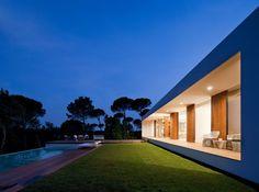 Directores: Arquitectos: Josep Camps y Olga Felip Arquitecto Técnico: Albert Serrats Colaboradores: Arquitectura: Mariel·la Agudo, Aitor Horta, Irene Solà