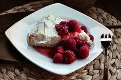 Kurumbacreme-Tarte mit Erdbeer-Himbeerkompott von Maria