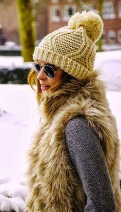 Muy fan de los gorros de lana con pompón Chaleco Pelo 2dd3b2f698a