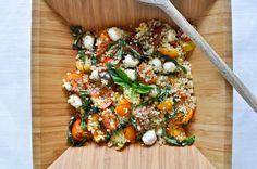 Quick Caprese Quinoa with Homemade Basil Oil I howsweeteats.com