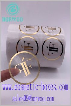 Round cosmetic label with bronzing printing. The brand logo on the transparent hot stamping label can increase the attractiveness of the brand. Blister Packaging, Perfume Packaging, Bottle Packaging, Print Packaging, Cosmetic Labels, Cosmetic Box, Cosmetic Packaging, Cardboard Boxes With Lids, Custom Packaging Boxes