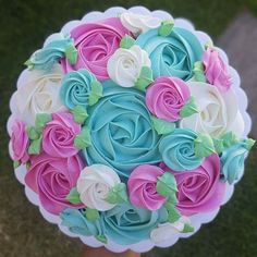 Love the colors! Buttercream Fondant, Cake Icing, Eat Cake, Frosting, Gorgeous Cakes, Pretty Cakes, Amazing Cakes, Cupcakes, Cupcake Cakes