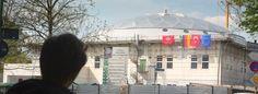 Schweinekopf an Moschee in Essen-Altendorf befestigt