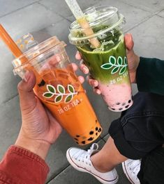 Bubble Tea Shop, Bubble Milk Tea, Fun Drinks, Yummy Drinks, Yummy Food, Beverages, Boba Drink, Cafe Food, Aesthetic Food