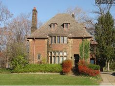 My dream house is for sale and I just bought a house. So no fair.. I adore this house, it's in Parma Ohio, near a park.