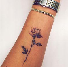 La rosa sull'avambraccio -cosmopolitan.it Tasteful Tattoos, Small Tats, Cosmopolitan, Tatoos, Tatting, Etsy, Bing Images, Goals, Paint