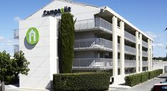 Campanile Montpellier Est Le Millénaire Montpellier Located in the Millenaire district in Montpellier, 400 metres from Zenith Sud Montpellier, Campanile Montpellier Est Le Millénaire is equipped with a terrace, restaurant, bar and free WiFi throughout the property.
