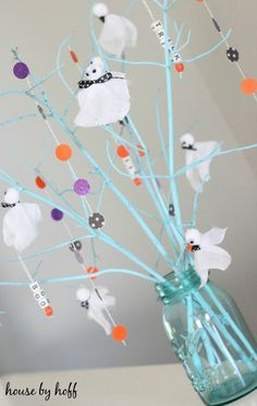 The Very Ghostly Halloween Tree is one of the coolest Halloween decoration ideas we've ever seen before. Get the kids involved and make homemade Halloween decorations together. Creatively using a mason jar and painted twigs you are able to make a fun Diy Halloween Tree, Holidays Halloween, Happy Halloween, Halloween Decorations, Halloween 2019, Holiday Crafts, Holiday Decor, Seasonal Decor, Fall Decor