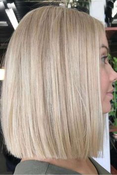 30 chic hairstyles for medium length hair Most Pop + # Chic . 30 chic hairstyles for medium length hair Most Pop + # Chic Hay cand. Thin Wavy Hair, Medium Length Hair Straight, Straight Bob, Popular Hairstyles, Hairstyles Haircuts, Straight Hairstyles, Short Haircuts, Spring Hairstyles, Pretty Hairstyles