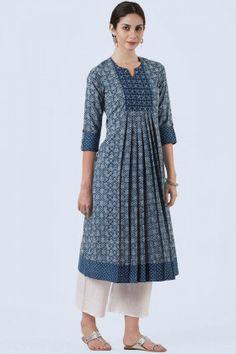 Buy A Line Kurta Online Kaufen Sie eine Linie Kurta online Salwar Designs, Simple Kurti Designs, Kurta Designs Women, Kurti Designs Party Wear, Latest Kurti Designs, Pakistani Kurta Designs, Designs For Dresses, Dress Neck Designs, Frock Design