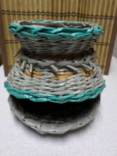Diótartó kosár. Papírfonással, saját munka/Paper weaving, my own work