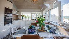 Kuchyň mají na terase. Šílený plán mladých manželů je geniální - iDNES.cz Kitchen Island, Home Decor, Island Kitchen, Decoration Home, Room Decor, Home Interior Design, Home Decoration, Interior Design