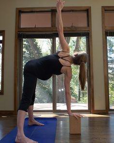 13 Yoga Modifications For Pregnant Women