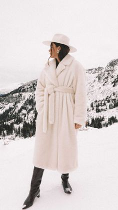 Easy Winter Outfit Idea: Tibi oversized belted faux fur coat and Gucci crystal double G earrings in Whistler, Canada Winter Travel Outfit, Winter Fashion Outfits, Fall Winter Outfits, Autumn Fashion, Winter Style, Fur Coat Outfit, Snow Outfit, Blazer Outfits Casual, Classy Outfits