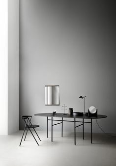 Part of the Snaregade Table series by Norm Architects, the Menu Snaregade Oval Table is both sleek and sophisticated. Scandinavian Lamps, Scandinavian Design, Nordic Design, Nordic Style, Menu Table, Wood Table, Pretty Things, Design Bestseller, Oval Table