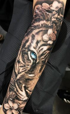 29 super Ideas for tattoo arm tiger awesome tattoo ideen Tiger Hand Tattoo, Hand Tattoos, Tiger Tattoo Sleeve, Body Art Tattoos, Tattoo Arm, Arm Tattoos Tiger, Girly Sleeve Tattoo, Arm Sleeve Tattoos For Women, White Tiger Tattoo