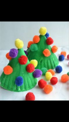 Christmas Crafts for Kids! If you're looking for easy Christmas crafts for kids to make at school or home during the holidays here's a great list of 17 cute ideas! These Christmas crafts for kids would make awesome gifts! Christmas Tree Crafts, Christmas Fun, Christmas Crafts For Kids To Make Toddlers, Xmas Trees, Kindergarten Christmas Crafts, Childrens Christmas Crafts, Christmas Toddler Activities, Christmas Crafts For Kindergarteners, Kids Holiday Crafts