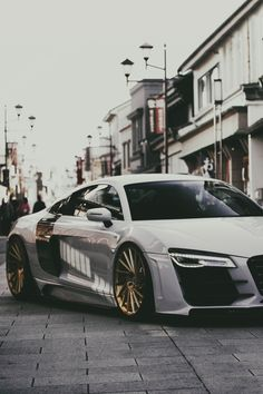 envyavenue:  Audi R8 in Japan / Vossen Wheels