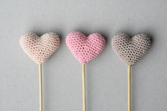 Amigurumi hearts on a stick FREE TUTORIAL