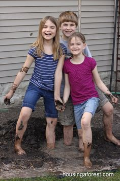 Mud, Mud, Glorious Mud - tons of mud play ideas for kids!