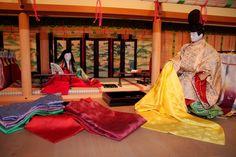 Dolls dressed in heian robes. Heian Period, Traditional Kimono, Japanese Style, Dresses, Fashion, Vestidos, Moda, Japan Style, Fashion Styles