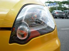 DIY Cleaning of Discolored Headlights With Toothpaste