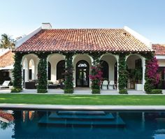 Palm Beach Loggia | photo Kim Sargent | design Sloan Mauran | House & Home