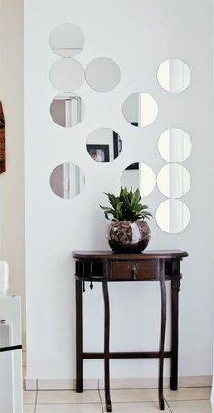 Espelhos decorativos em formas de bolas
