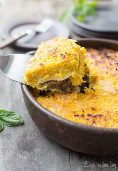 Corn and Beef Chilean Pastel de Choclo - Pilar's Chilean Food & Garden Latin American Food, Latin Food, Chilean Recipes, Chilean Food, Corn Pie, Beef Pies, Comida Latina, Le Chef, How To Cook Chicken