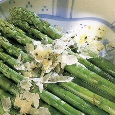 Asparagus with Olive Oil and Parmesan @keyingredient #cheese