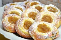 New Easy Cake : The cakes are perfectly smooth thanks to the rolled break. Slovakian Food, Czech Desserts, 5 Ingredient Desserts, Hungarian Desserts, Low Calorie Desserts, Dough Ingredients, Czech Recipes, Desert Recipes, Cakes And More