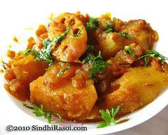 Seyal Bhee Patata~Lotus stem and potato cooked in Onion base   Sindhi Rasoi  Sindhi Recipes