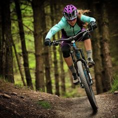 MTB Dating is the dating site for singles with a passion for mountain biking. Shred the mountain bike trails together; Mountain Biking Women, Best Mountain Bikes, Road Bike Women, Mountain Bike Trails, E Mtb, Mtb Bike, Beach Volleyball, Girls Mac, Bike Photography