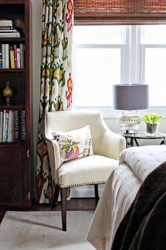 """Maria's """"Light, Colorful & Collected"""" Room"""