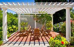 moderne Pergola Design Gestaltung holz weiß geländer sitzplatz