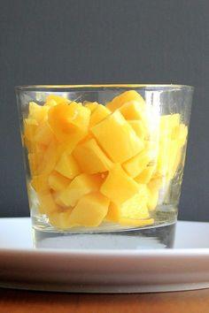 Of course @altonbrown has the BEST tip for cutting a mango, via @POPSUGARFood: http://www.popsugar.com/food/Alton-Brown-How-Cut-Mango-40823466?utm_campaign=share&utm_medium=d&utm_source=yumsugar via @POPSUGARFood