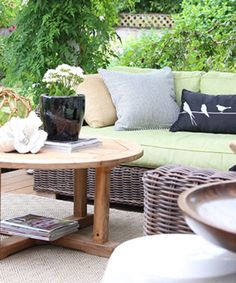 Do's and Dont's for Decorating with Black Outside; Before & After
