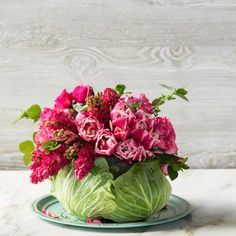 Spring centerpiece goals on this glorious Easter weekend!  : @pinterest #easter #centerpieces #floralsincabbage #springflorals