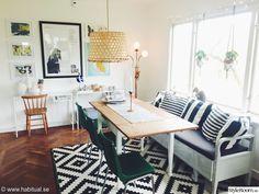matbord,tavelvägg,kökssoffa,vardagsrum,matplats Kitchen Dining, Dining Room, Cool Rooms, Office Desk, Corner Desk, My House, Ikea, Interior Design, Inspiration