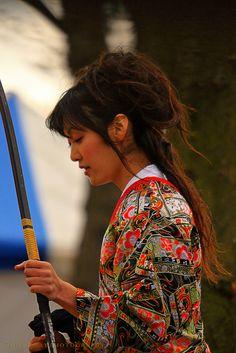 threelittlemonkeybutts:  ultratangerine:  Women Warriorsseries by maxre A women only archery competition in North Japan.  princelesscomic