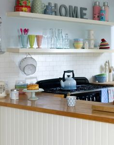 Worktops in wood design - adds a natural touch to your kitchen. Kitchen Corner, Kitchen Dining, Kitchen Cabinets, Kitchen Decor, Kitchen Ideas, Style Rustique, Multifunctional Furniture, Compact Kitchen, Style Deco