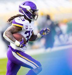 Andy Kenutis/Minnesota Vikings Vikings Cheerleaders, Minnesota Vikings, Cheerleading, Football Helmets, Cheer