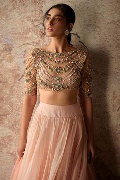 Bridal Blouse Designs, Saree Blouse Designs, Indian Designer Outfits, Designer Dresses, Designer Wear, Indian Dresses, Indian Outfits, Plain Lehenga, Lehenga Designs