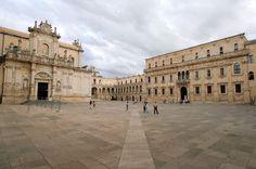 TI PORTO VIA CON ME  Il centro storico di #Lecce è ricco di monumenti, chiese e musei. Uno dei due grandi punti di riferimento del cuore storico di Lecce è il Duomo...  #CosaVedereinPuglia #ViaggiareinPuglia