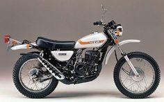 Suzuki TS400L at  http://www.motorcyclespecs.co.za/model/suzu/suzuki_ts400l%2073.htm