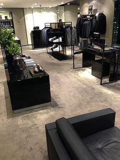 Let the showroom luxury starts from the floor #LuxuryCarpets #InteriorDesign #CommerialFlooring #CustomMade #Interiors