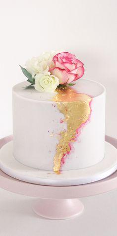 Cake Flowers, Panna Cotta, Wedding Cakes, Ethnic Recipes, Desserts, Food, Wedding Gown Cakes, Tailgate Desserts, Dulce De Leche