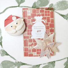 Ihr Lieben! Was lag bei euch selbstgemachtes unter dem Weihnachtsbaum? 🎅🌿📕 #wohnklamotte #buch #book #santa #cupcake #weihnachtsmann #mütze #stern #star #geschenk #surprise #wohnen #living #einrichtung #dekoration #deko #idee #inspiration #inspo #getinspiredbyus #letusinspireyou #blogger_de #germaninteriorbloggers #interior123 #produktplatzierung #interior4you #interior2you #interiorlove