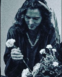Eddie Vedder, Pearl Jam Posters, Guitars, Singers, Grunge, Bands, Long Hair Styles, Guys, Music